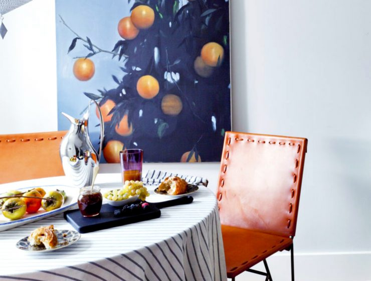 Dining Room Designs With Colorful Details | Your dining room is probably is in need for some new colors! #diningroom #homedecor #interiordesign #colorfuldecor  Dining Room Designs With Colorful Details featured 8 740x560