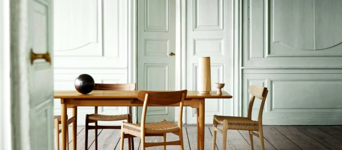 The Final Chair From The Original Hans J Wegner Collection of Four | Carl Hansen & Son presented this year the relaunch of the Danish modernist chair. #interiordesign #diningroom #diningchair #homedesign