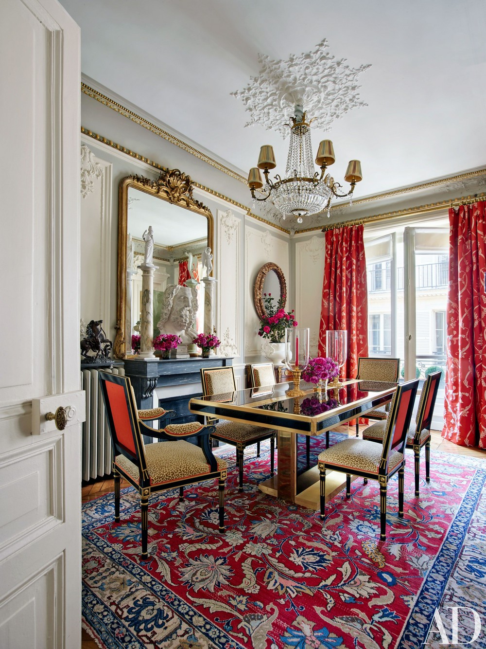 Timothy Corrigan: Classic Dining Rooms With A Royal Touch timothy corrigan Timothy Corrigan: Classic Dining Rooms With A Royal Touch 4 AD