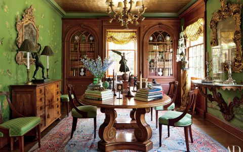 Timothy Corrigan: Classic Dining Rooms With A Royal Touch timothy corrigan Timothy Corrigan: Classic Dining Rooms With A Royal Touch featured 480x300
