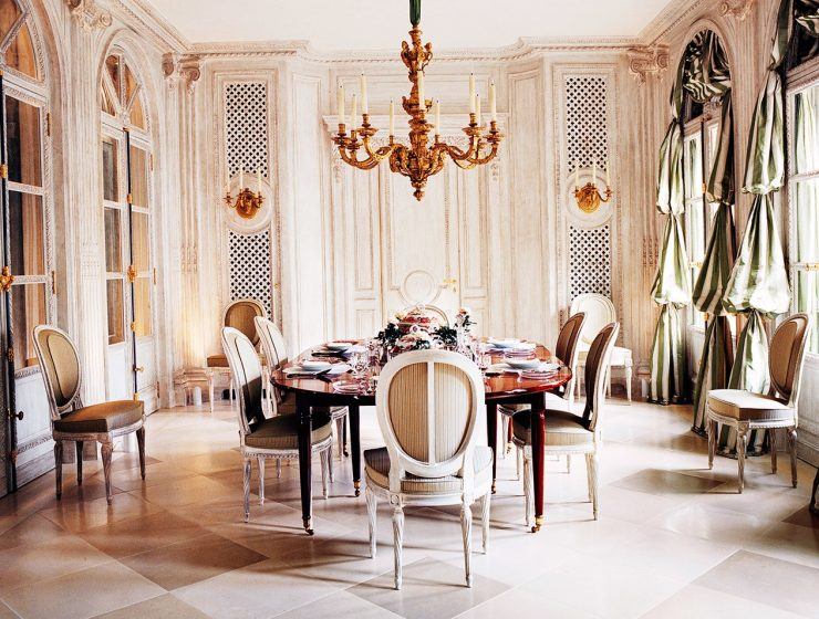 François Catroux: The Blend of Modern and Vintage Design Elements françois catroux François Catroux: The Blend of Modern and Vintage Design Elements featyuredddd 740x560 dining tables & chairs Home page featyuredddd 740x560