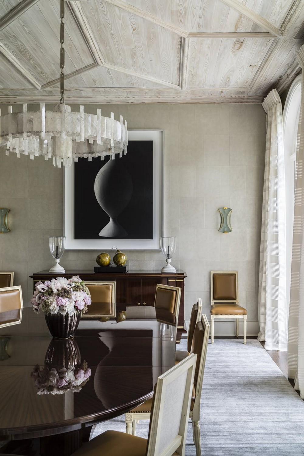 When Modern Means Timeless: Dining Rooms by David Kleinberg david kleinberg When Modern Means Timeless: Dining Rooms by David Kleinberg 4 dering hall