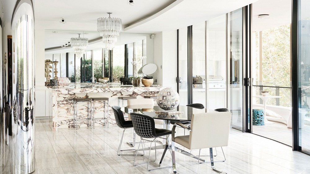 David Hicks: A Sophisticated Decorative Layering For Every Dining Room david hicks David Hicks: A Sophisticated Decorative Layering For Every Dining Room 1 The Design Files