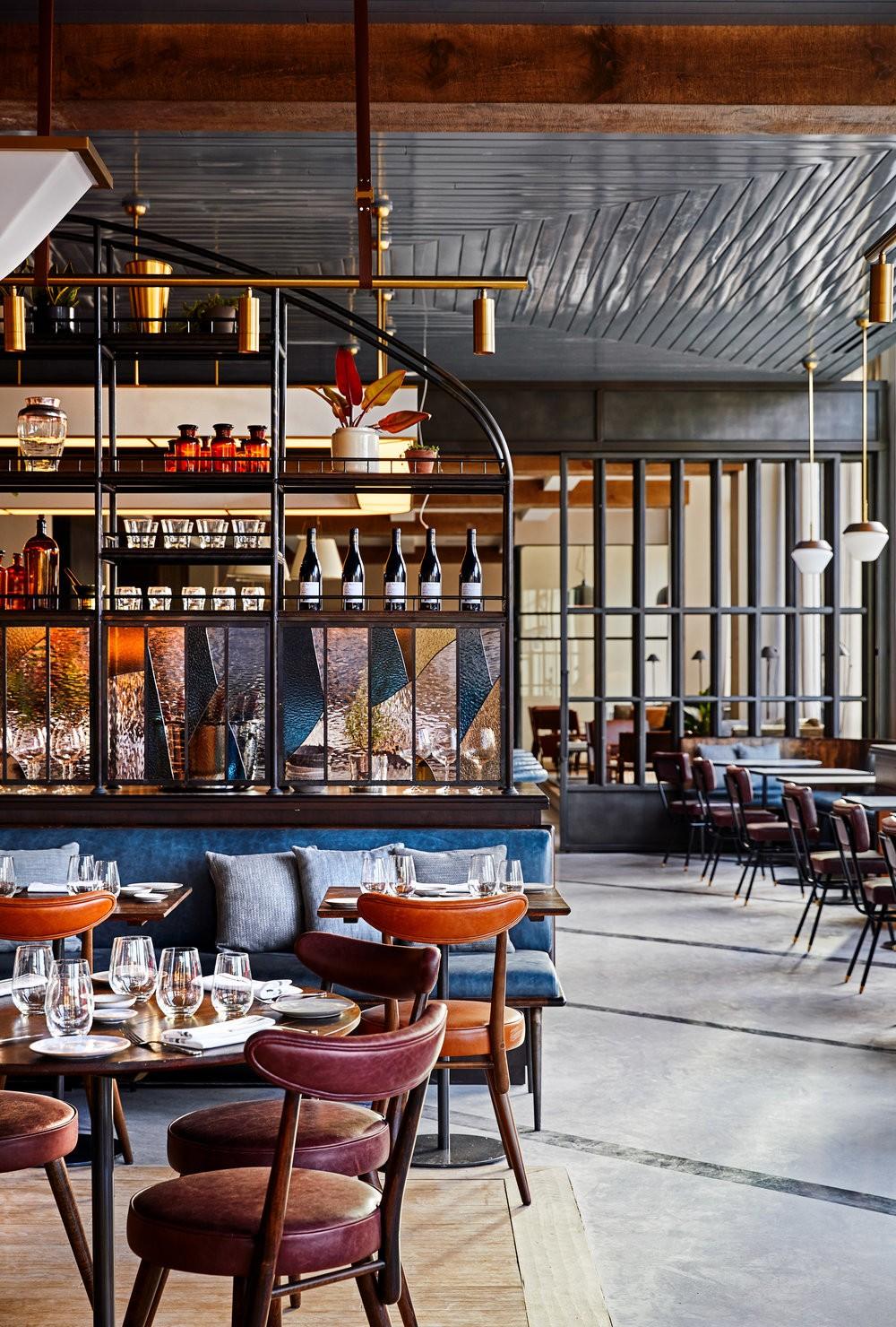 Forward-Thinking Design: Restaurants by Alexander Waterworth Interiors alexander waterworth interiors Forward-Thinking Design: Restaurants by Alexander Waterworth Interiors 2 Bespoke Glass