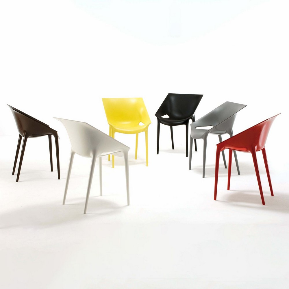Comfort, Aesthetics and Practicality: Dining Chairs by Philippe Starck philippe starck Comfort, Aesthetics and Practicality: Dining Chairs by Philippe Starck 002 Kartell Dr Yes Stuhl ambient e044249fb59392fdf857a088966f71aa